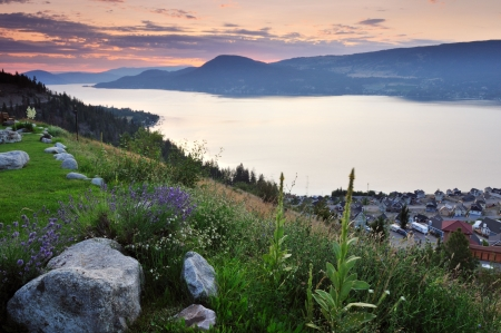Okanagan lake in the cloudy morning