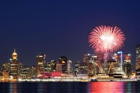 ダウンタウン バンクーバー カナダ日のお祝いの花火で