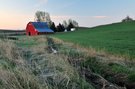 palouse: Rural lanscape with red barn, Palouse, Washington State