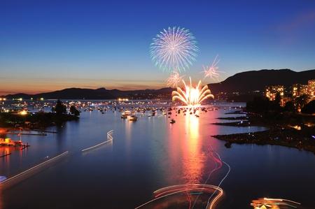 ライトの祭典、英語湾、バンクーバー、紀元前で花火します。