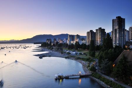 Zomer zonsondergang op Engels Bay, Vancouver, BC