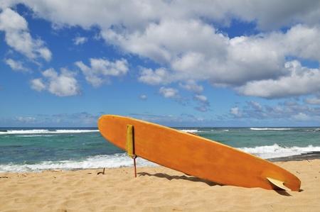north shore: Wooden Surfboard on North Shore Beach, Oahu, Hawaii  Stock Photo