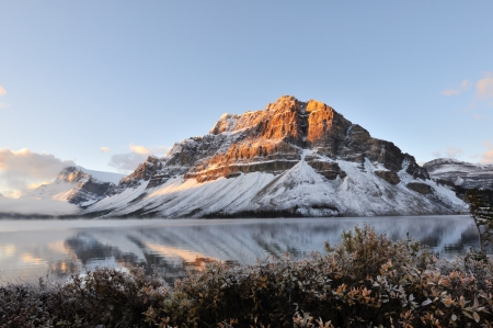 banff national park: Bow Lake sunrise, Banff National Park in Alberta