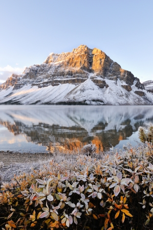 banff: Bow Lake sunrise, Banff National Park in Alberta