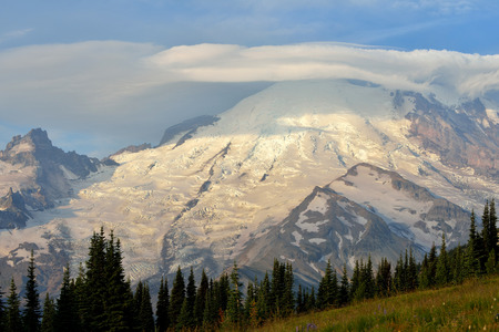 lenticular cloud: Mt. Rainier with lenticular clouds on a windy day, Washington, USA