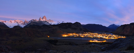 el chalten: Fitz Roy Mountain and El Chalten at dawn, Patagonia, Argentina  Stock Photo