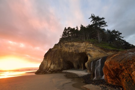 state of oregon: Hug Point State Park sunset, northern Oregon, USA