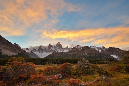 Fitz Roy Autumn Color and sunset,  Parque Nacional Los Glaciares, Argentina Stock Photo