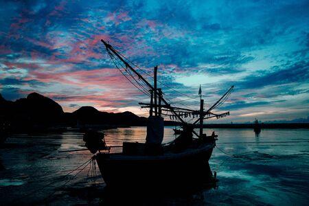 Evening light secretly horizon at sea