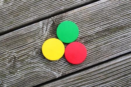 underlay: Tres colores