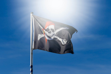 drapeau pirate: Drapeau Pirate au soleil