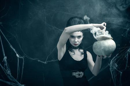pocima: La malvada bruja y la poci�n m�gica Foto de archivo
