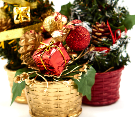 enrich: Decoration christmas tree with gift box and ball