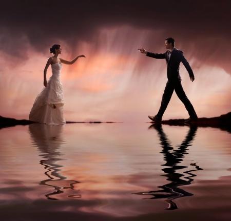pareja de esposos: Foto de boda de estilo de Bellas Artes