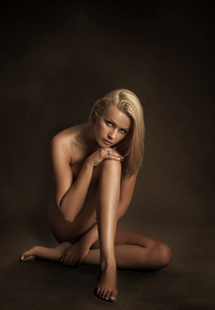 Naked woman sitting Stock Photo - 9064793