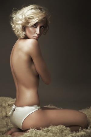 Beautiful nude blonde beauty posing Stock Photo - 9065102