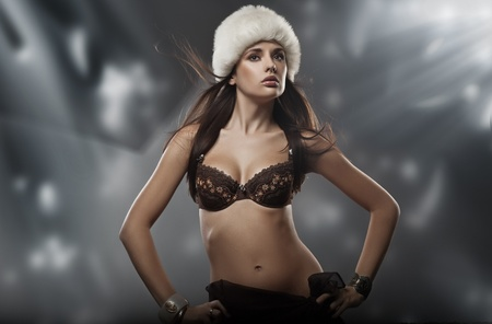 Portrait of a young beauty wearing winter hat Stock Photo - 9078279