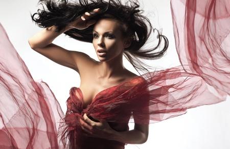 morena sexy: Morena sexy en el d�a de viento