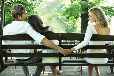 Foto conceptual de una infidelidad conyugal