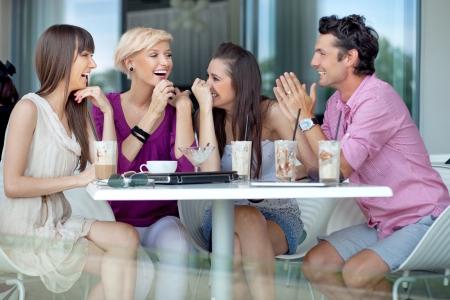 přátelé: Veselá skupina přátel