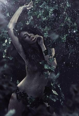 morena sexy: Foto de mujer sexy morena Foto de archivo