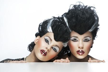 bruja sexy: Retrato de dos mujeres