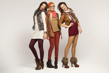 pretty teen girl: Group of attractive female friends