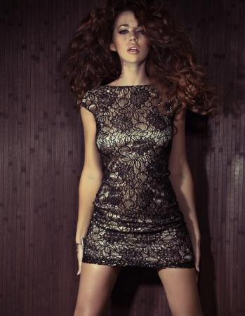 mujeres fashion: Mujer alta con incre�bles labios sensuales