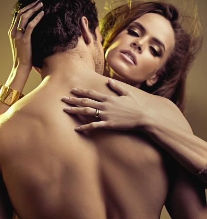 femmes nues sexy: Gros plan image de jeunes amoureux senual