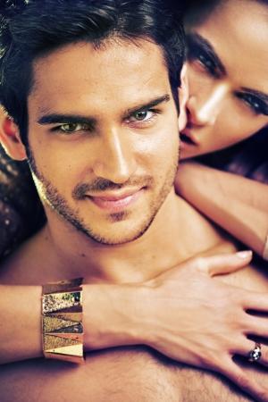 sexy nackte frau: Colorful Bild von attraktiven Paar Lizenzfreie Bilder
