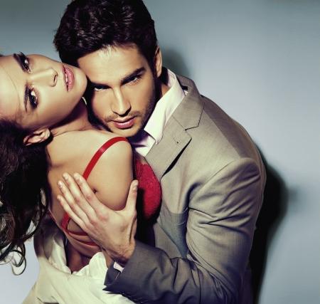 nackter junge: Handsome Guy mit seiner h�bschen Freundin