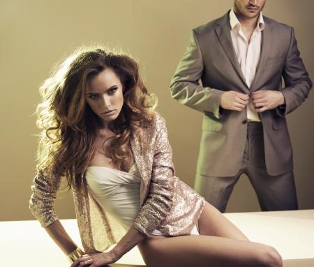 Bouleversée femme sexy et son petit ami Banque d'images - 20619430