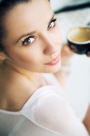 Alluring lady with incredible eyes Stock Photo - 21553334