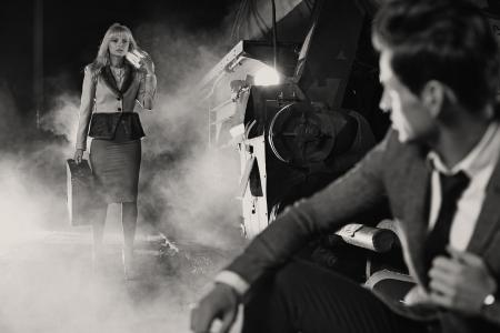 mujeres elegantes: Foto blanco y negro de la reuni�n cl�sica Foto de archivo