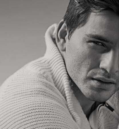 bel homme: Portrait de très beau jeune homme Banque d'images