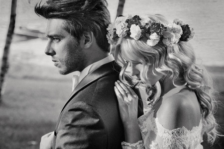 Zwart-wit portret van het huwelijk echtpaar Stockfoto