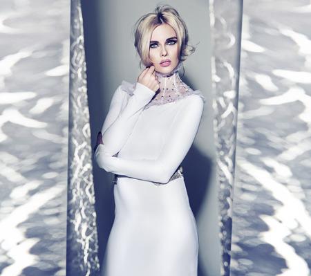 rubia: Srta invierno en vestido eveing ??incre�ble