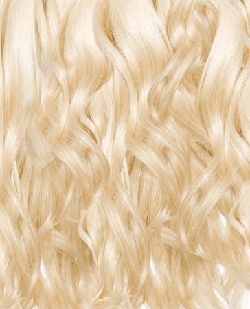 rubia: Imagen presentar una peluca rizada rubia