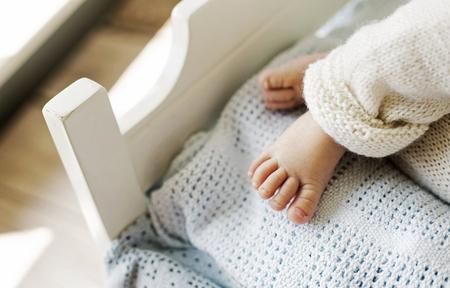 nombres: petit pied mignon d'enfant nouveau-n�