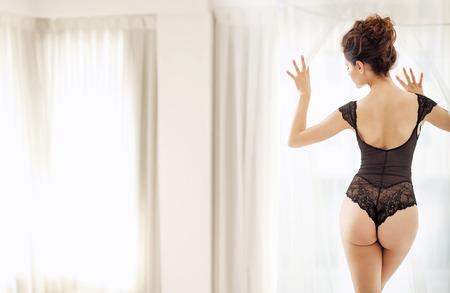 hot breast: Изысканные выстрел стройные брюнетки