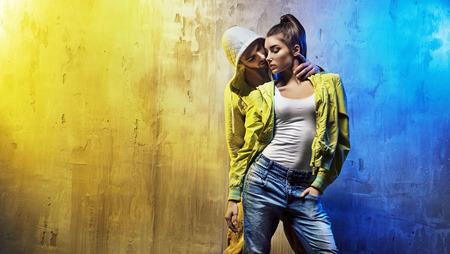 Sinnlich Porträt eines jungen Paares von Hip-Hop-Tänzer Standard-Bild - 53140583