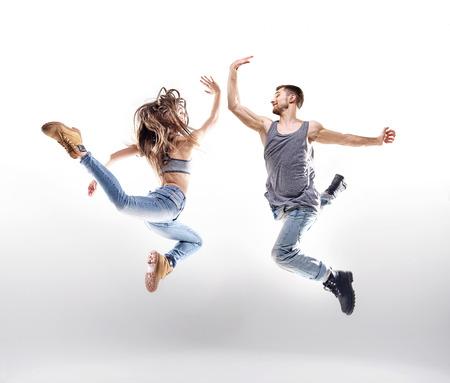 bailarin hombre: Pares del baile sobre el fondo brillante