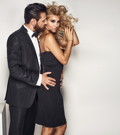 Portrait of a really attractive couple in sensual pose Banque d'images