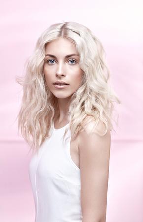Closeup portrait of an elegant blond lady Imagens - 72681653