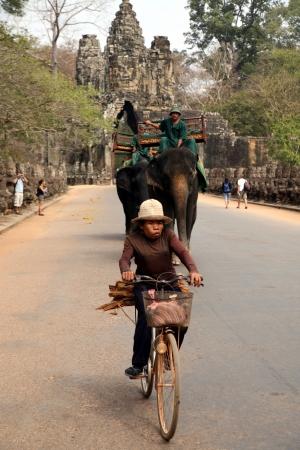 route du temple du Bayon à Angkor Thom, au Cambodge