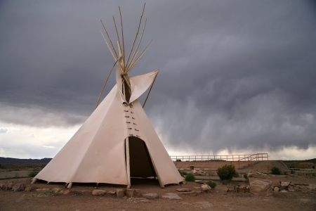teepee: teepee - native indian house