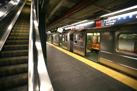 metro: New York subway, Times Square station
