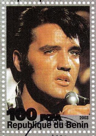 BENIN - CIRCA 2003 beroemde rock and roll zanger Elvis Presley