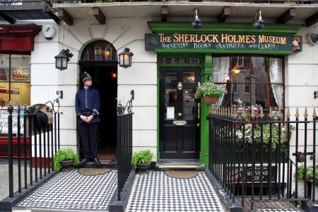 populous: LONDON - JUN 6: Sherlok Holmes Museum in Baker street 221b is a Most populous Place in London, June 6, 2011, London.