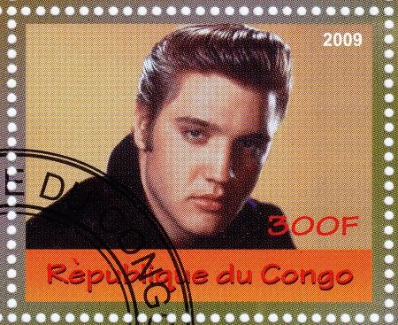 CONGO - CIRCA 2009: stempel gedrukt in Congo - beroemde rock and roll zanger Elvis Presley, circa 2009